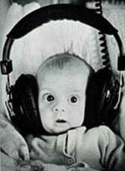 /uploads2/33769_1_30_2013_8_07_17_AM_-_baby with headphones.jpg