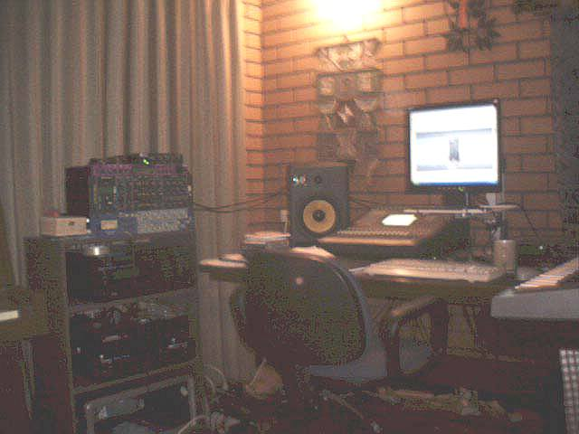 http://indiemusicpeople.com/uploads2/50156_1_31_2008_1_36_57_AM_-_The_Studio_Final.jpg