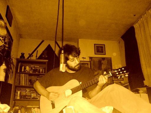 http://indiemusicpeople.com/uploads2/9546_10_8_2007_8_37_05_AM_-_oie_recordingsunday.jpg