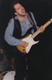 http://indiemusicpeople.com/uploads2/Dave_Isaacs_-_dave.jpg